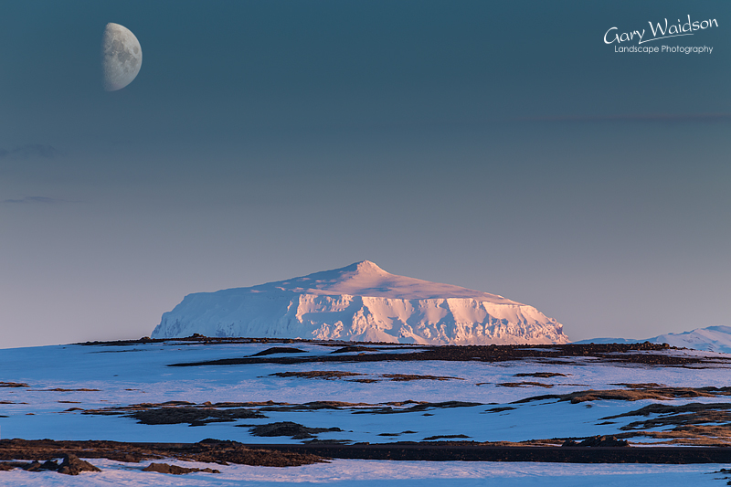 Icelandic-Moonrise - Photo Expeditions - © Gary Waidson - All Rights Reserved
