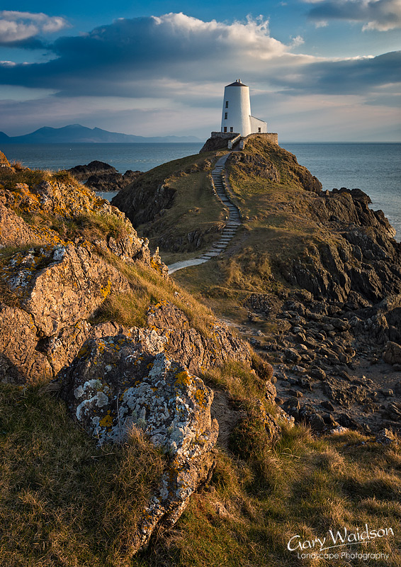 Llanddwyn-Old-Lighthouse-800