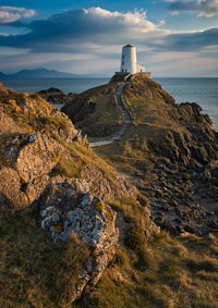 Llanddwyn-Old-Lighthouse-t